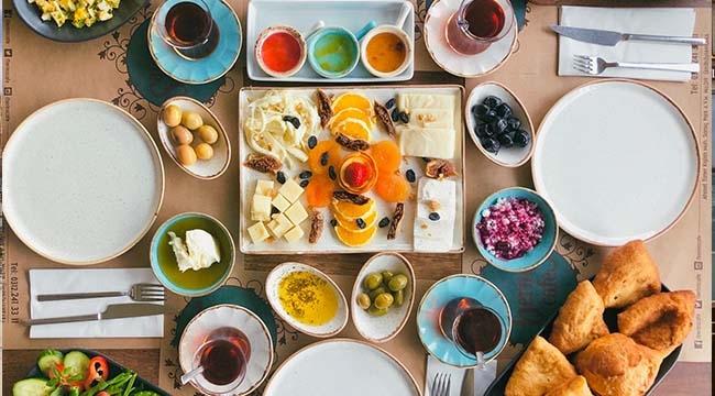 MUTLULUKLA BİR İLGİSİ OLMALI!Alaçatı Kahvaltısı Şimdi Çayyolu'nda…