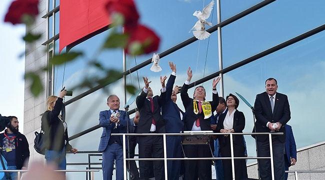Ankara'nın Başkanı Mansur Yavaş'tan Vatandaşlarla İlk Buluşma: