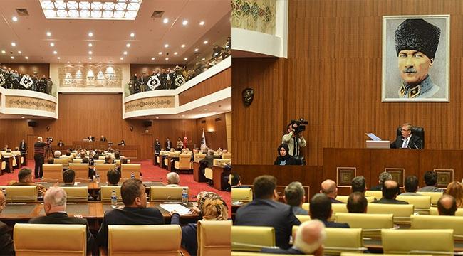 Büyükşehir Meclis Salonuna Atatürk Portresi Asıldı