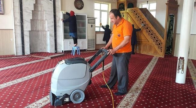 Altındağ'da Bayram Öncesi Camiler Temizleniyor