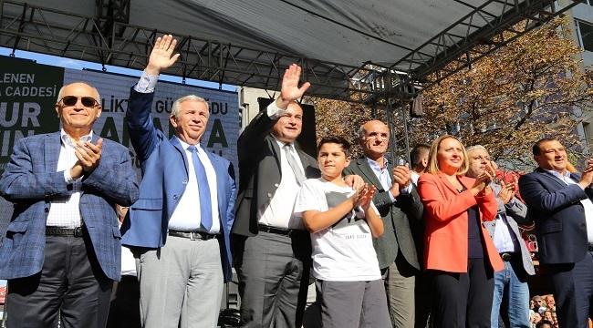 Sakarya Kent Meydanı Büyük Bir Törenle Açıldı
