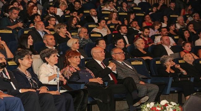 Yenimahalle'de Sadri Alışık Ödülleri Sahiplerini Buldu