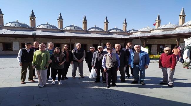 Keçiören'de Huzurevi Sakinleri Konya'yı Gezdi