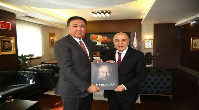 Kırgız Büyükelçi'den Turgut Altınok'a Ziyaret