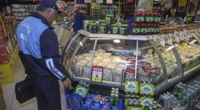 Ankara Zabıtası koronavirüs tedbirleri çerçevesinde marketleri denetledi