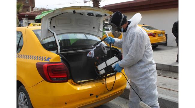 Kağıthane'de taksi şoförlerinin ateşi ölçüldü