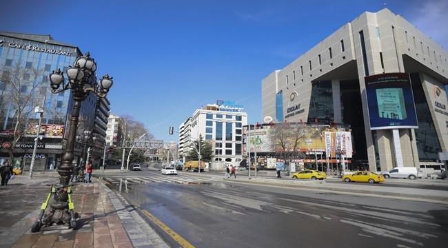 Korona virüs sebebiyle Başkent'te sokaklar boş kaldı