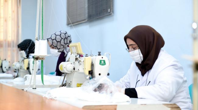 Altındağlı kadınlar gönüllü oldular, günde 2 bin maske üretiyorlar
