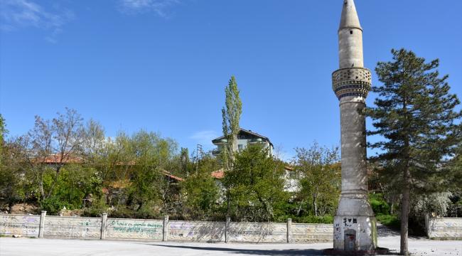 Camisiz minare ilçenin sembolü oldu