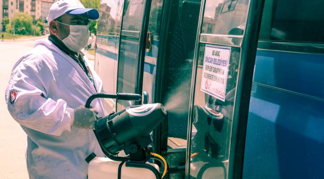 Sincan Belediyesi toplu taşıma araçlarını dezenfekte etmeye devam ediyor