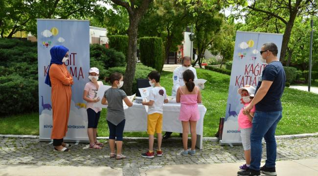 Sokağa çıkma izninde Başkentli çocuklara sürpriz hediye