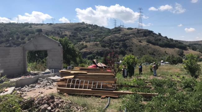 Sincan'da hobi bahçelerine yapılan binalar yıkılıyor
