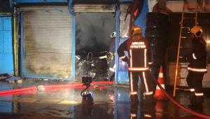 Ankara'da 2 dükkan kül oldu