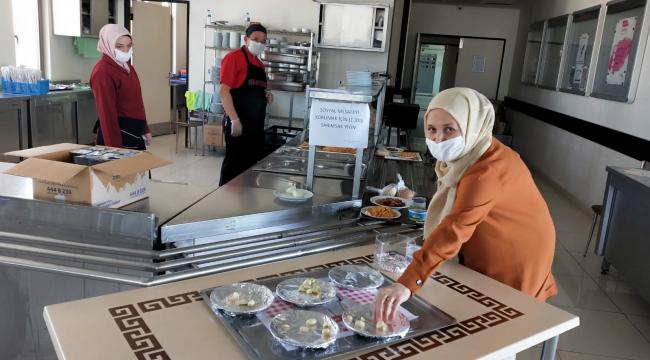 Beypazarı Devlet Hastanesi'nde sarımsaklı sosyal mesafe önlemi