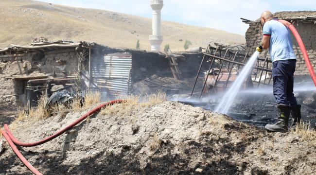 Ankara'da konteyner evde yangın
