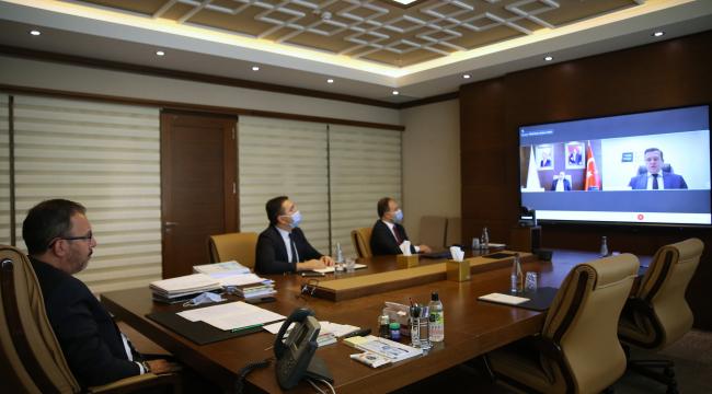 Bakan Kasapoğlu, WADA Başkanı Banka ile görüştü