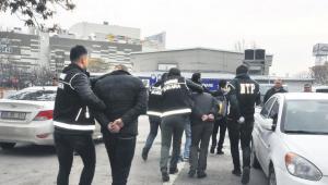Ankara'ya uyuşturucu getirirken yakalandılar