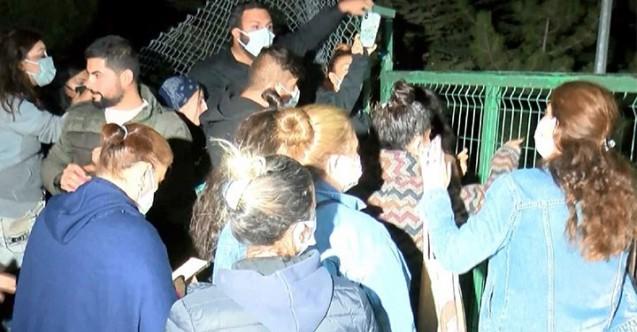Ankara'daki hayvanseverler barınaktaki köpekler için ayaklandı
