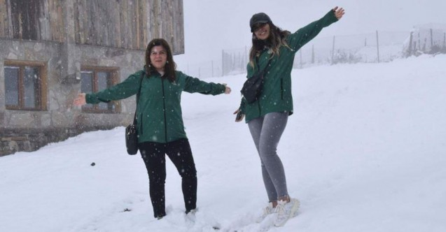 Çaykara'da kar kalınlığı 30 santimetreyi buldu