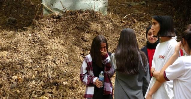 Öğrenciler kurtardı: Bebeği canlı canlı mezara gömmüş!