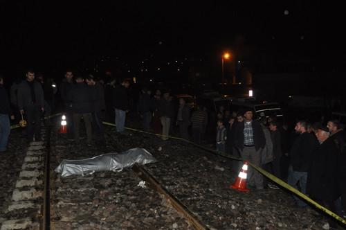 Bitlis'te Yük Treni Yolcu Minibüsüne Çarptı: 1 Ölü, 3 Yaralı