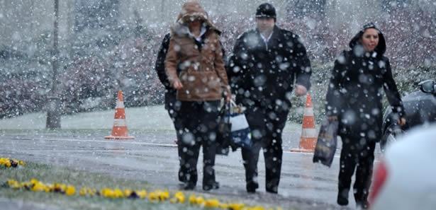 Karaman'a Mart Ayında Kar Sürprizi