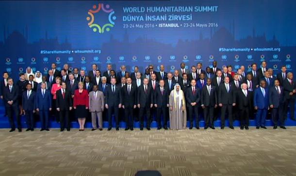 Liderler Dünya İnsani Zirvesi'nde Aile Fotoğrafı Verdi