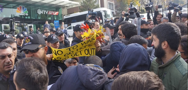 NTV Ankara Temsilciliği Önünde Polisle Arbede