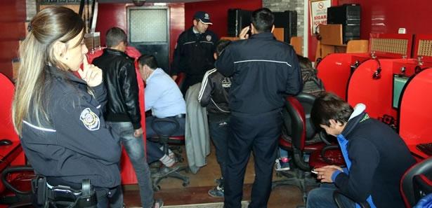 Sivas'ta İnternet Kafeler Denetlendi
