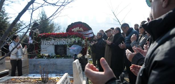 Yaşar Sevim Karşıyaka Mezarlığı'nda Törenle Anıldı