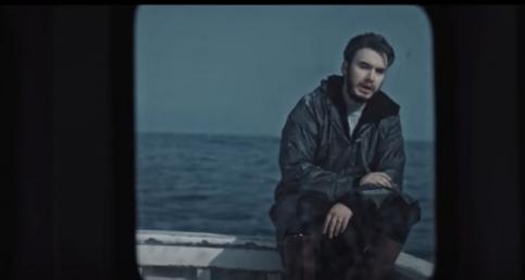 Mustafa Ceceli'den Duygusal Klip ''Simsiyah''