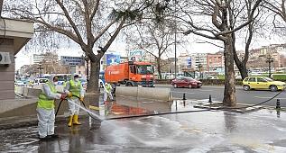 Büyükşehirden Atatürk Bulvarı'nda temizlik